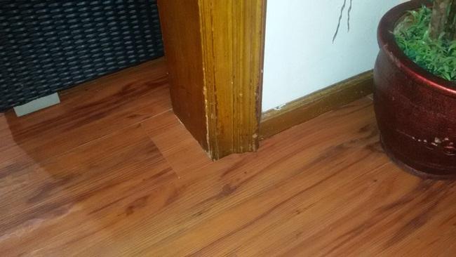 karpet plastik motif kayu: Lantai vinyl motif kayu harga murah daeji