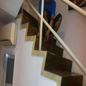 lantai viny - tangga