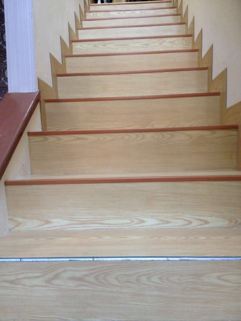 jasa-pemasangan-vinyl-tangga-1